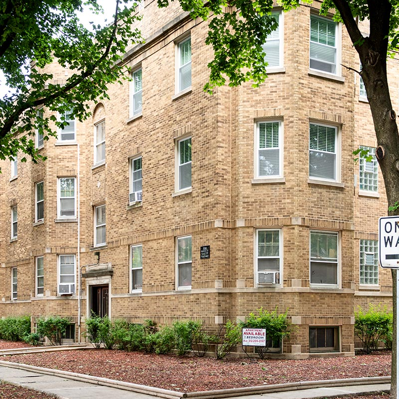 3701 N. Hoyne Chicago, IL 60618